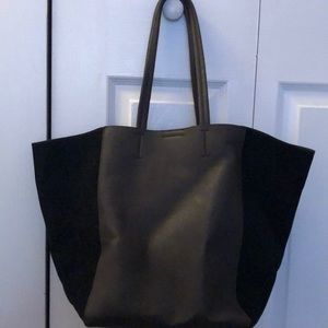Bass Leather Tote/Pocket Book